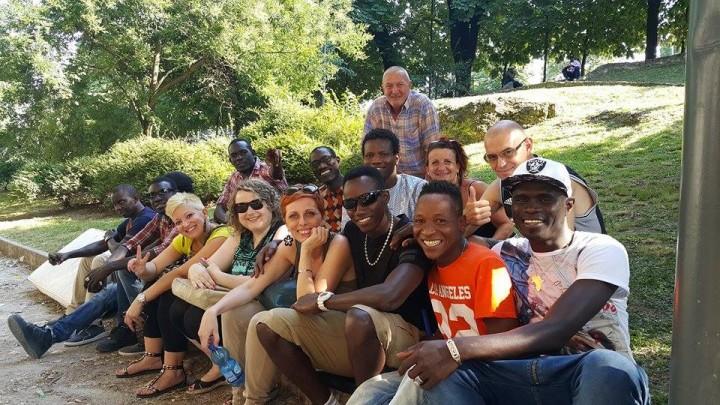"""Un gruppo su Facebook """"Africa&Italia"""" organizza eventi per sostenere i profughi"""