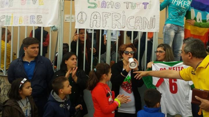 A Camaro, Messina, gli italiani si oppongono alla chiusura di una casa accoglienza