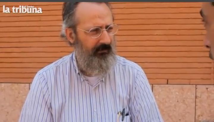 """""""Vivo con sei profughi, i miei vicini leghisti mi aiutano"""". La storia di un professore di Treviso, Antonio Silvio Calò"""