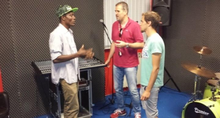 Henry, migrante deejay animerà un centro estivo a Favria